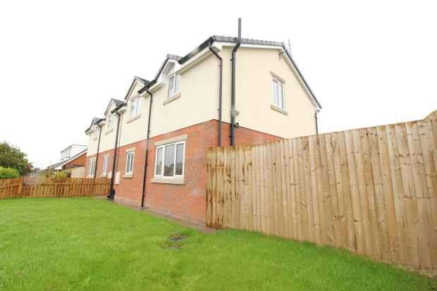 2 Bedrooms Semi Detached House for sale in Poulton Road, Blackpool, Lancashire, FY3 7DT
