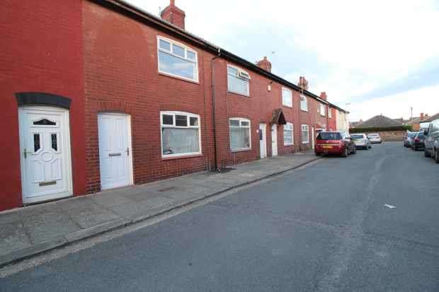 3 Bedrooms Terraced House for sale in Newbury Avenue, Blackpool, Lancashire, FY4 3BG