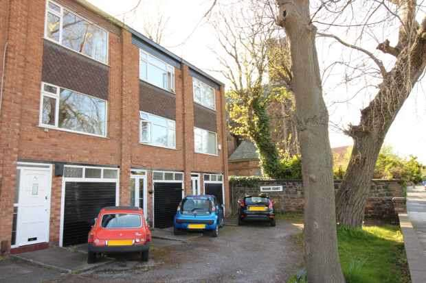 3 Bedrooms Town House for sale in Seabank Road, Wallasey, Merseyside, CH44 0EE