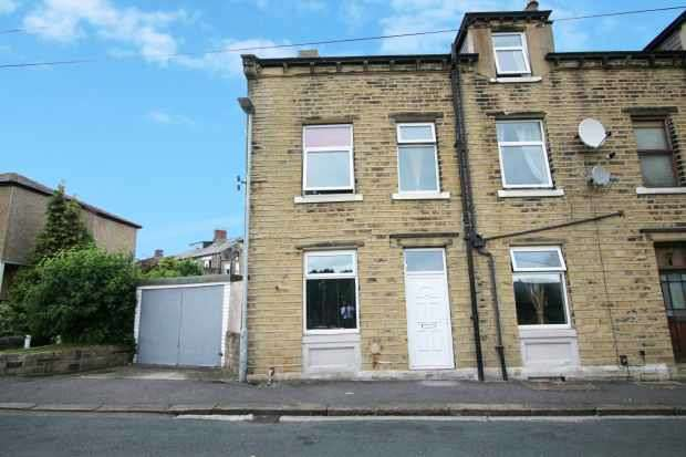 3 Bedrooms Property for sale in South View Paddock,, Huddersfield, West Yorkshire, HD1 4UE