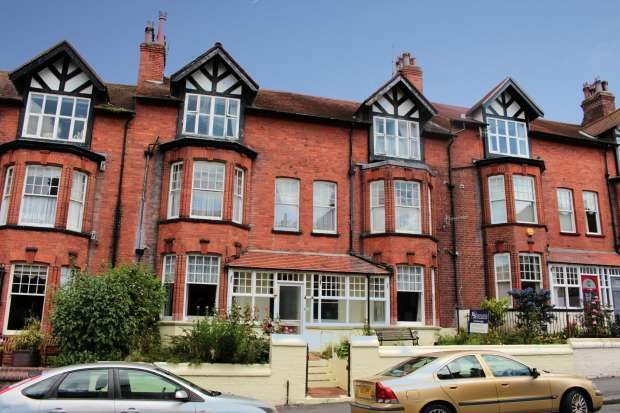 15 Bedrooms Terraced House for sale in West Street, Scarborough, North Yorkshire, YO11 2QP