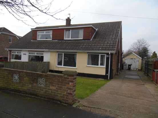 4 Bedrooms Semi Detached Bungalow for sale in Newstead Avenue, Grimsby, Lincolnshire, DN36 5BU