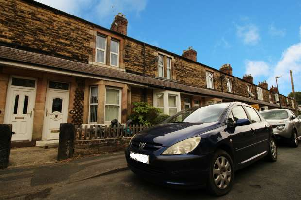 2 Bedrooms Terraced House for sale in Albert Place, Harrogate, North Yorkshire, HG1 4QA