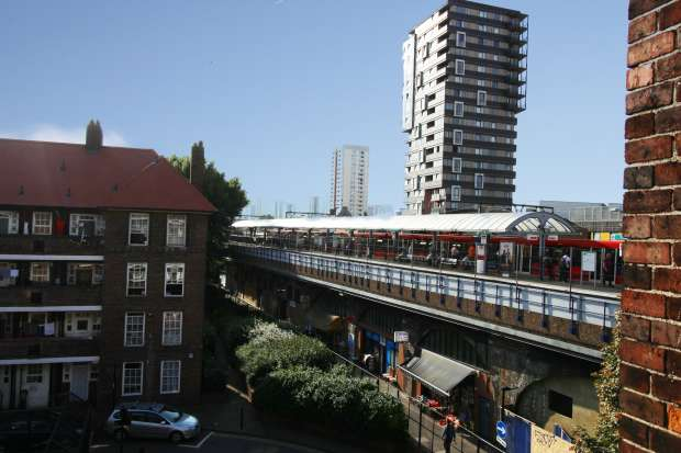 3 Bedrooms Flat for sale in Shadwell Gardens, London, Greater London, E1 2QQ