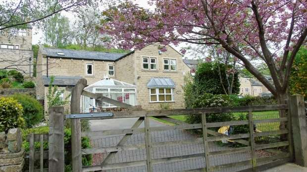 4 Bedrooms Detached House for sale in Bluebell Walk Luddenden Halifax