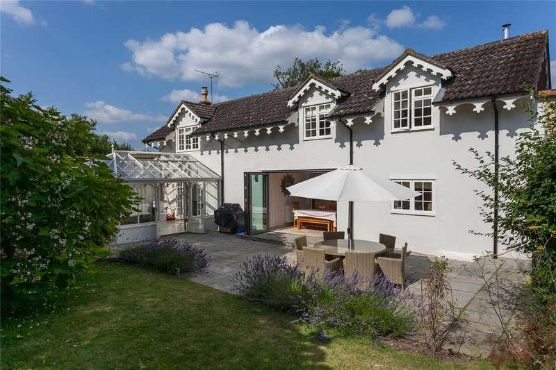5 Bedrooms Detached House for sale in Sandridge Park, Sandridge Common, Wiltshire, SN12