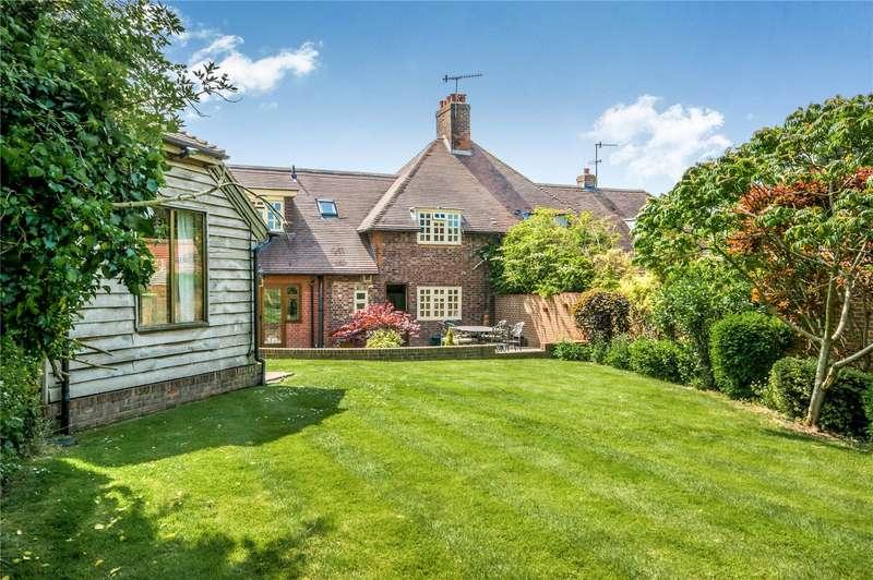3 Bedrooms Semi Detached House for sale in Rusper Road, Newdigate, Dorking, Surrey, RH5