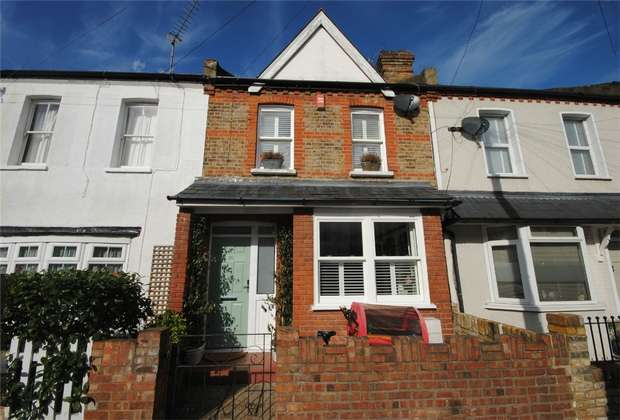 3 Bedrooms Terraced House for sale in Gould Road, Twickenham