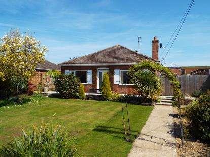 4 Bedrooms Bungalow for sale in Ingoldisthorpe, King's Lynn, Norfolk