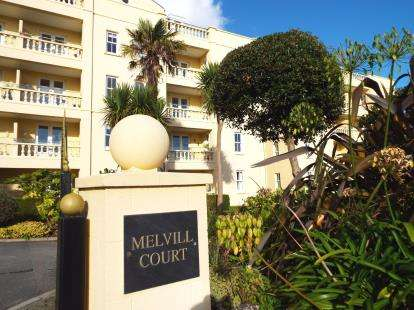 2 Bedrooms Flat for sale in Sea View Road, Falmouth, Cornwall