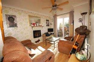 1 Bedroom End Of Terrace House for sale in Linnet Green, Ridgewood, Uckfield, East Sussex