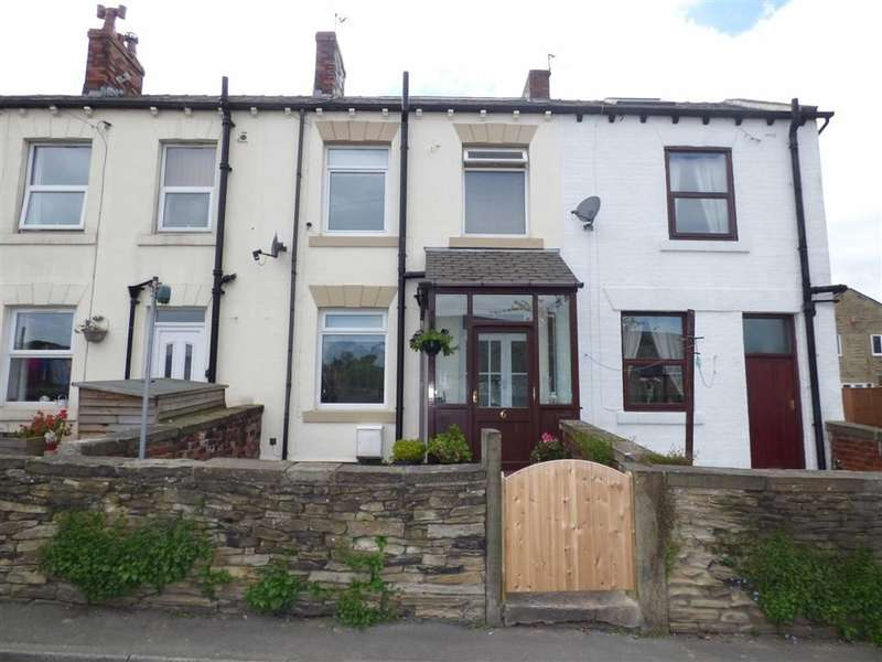 3 Bedrooms Property for sale in Holmfield Road, Clayton West, HUDDERSFIELD, HD8
