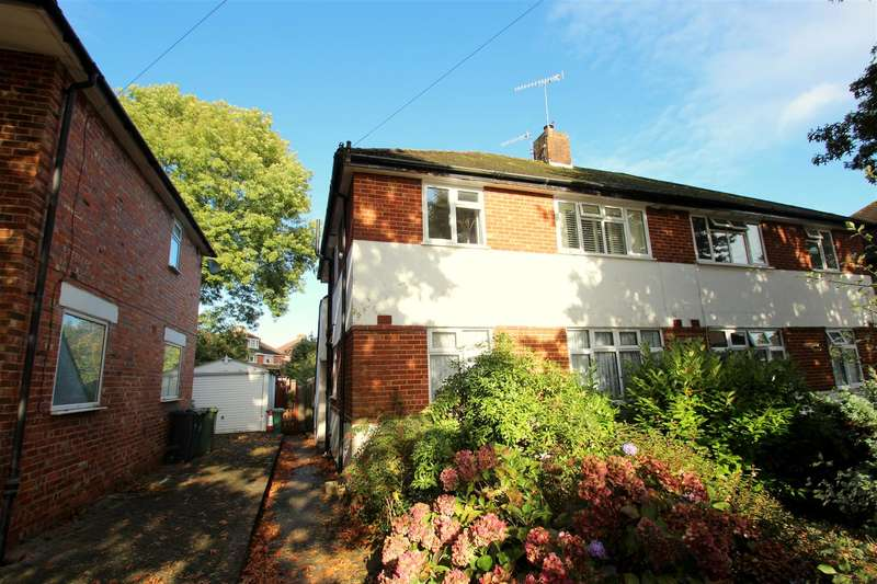 2 Bedrooms Maisonette Flat for sale in Kingsley Grove, Reigate, Surrey