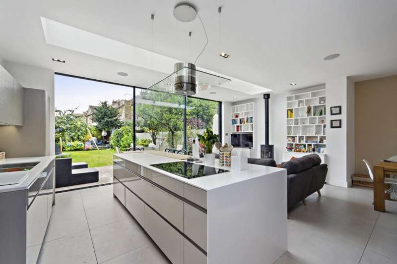 5 Bedrooms Semi Detached House for sale in Birch Grove, London, W3