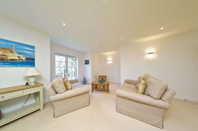 2 Bedrooms Flat for sale in Runcton Lane, Chichester PO20