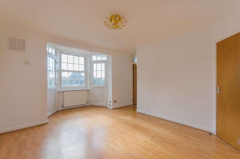 3 Bedrooms Flat for sale in Emlyn Gardens, Wendell Park, W12