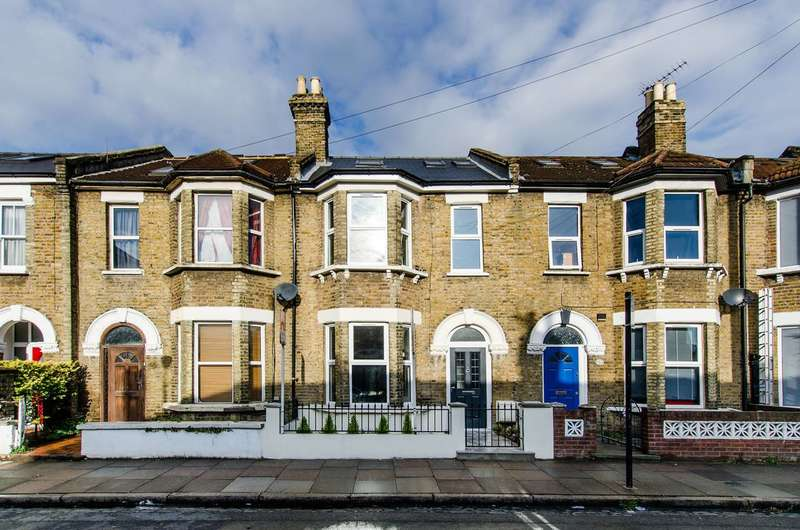4 Bedrooms House for sale in Khama Road, Tooting, SW17