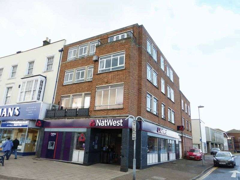 3 Bedrooms Flat for sale in Great Yarmouth