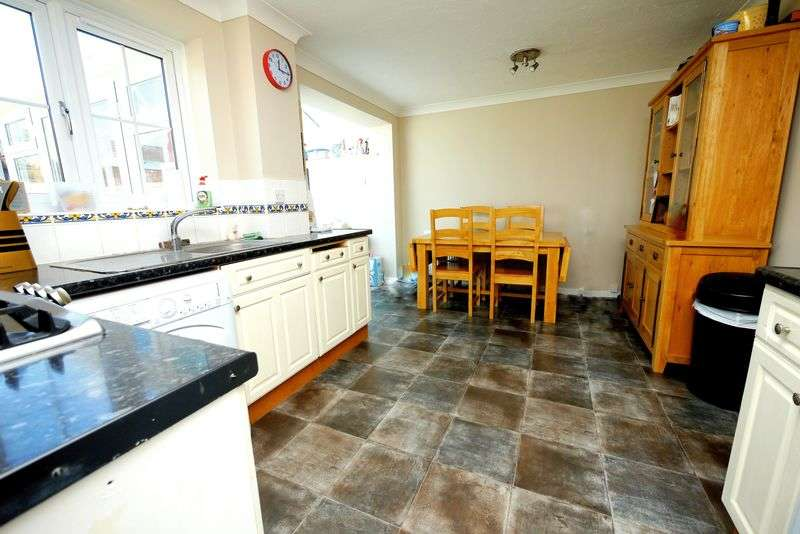 4 Bedrooms Terraced House for sale in DARENT PLACE