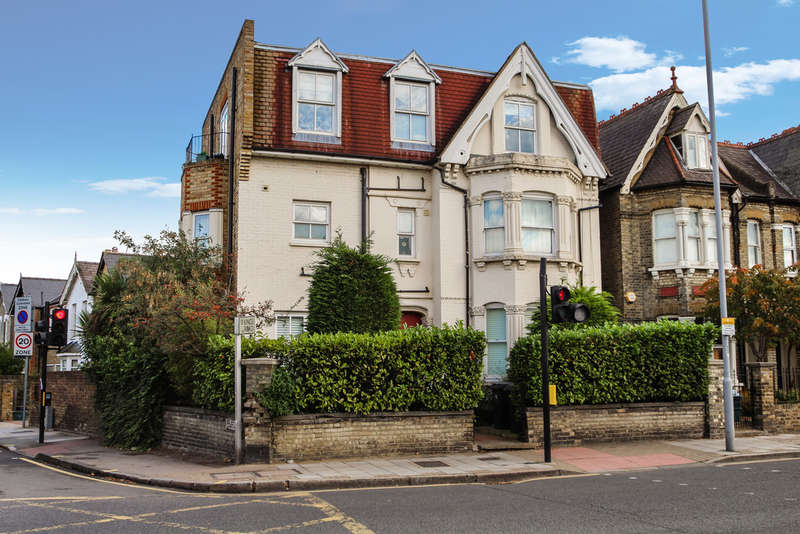 3 Bedrooms Flat for sale in Richmond Road, Kingston Upon Thames
