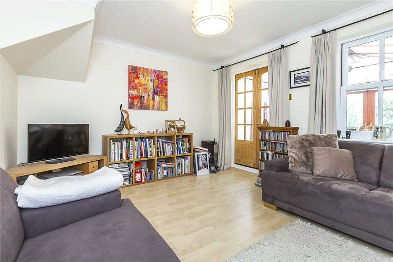 2 Bedrooms Terraced House for sale in Twycross Mews, London, SE10