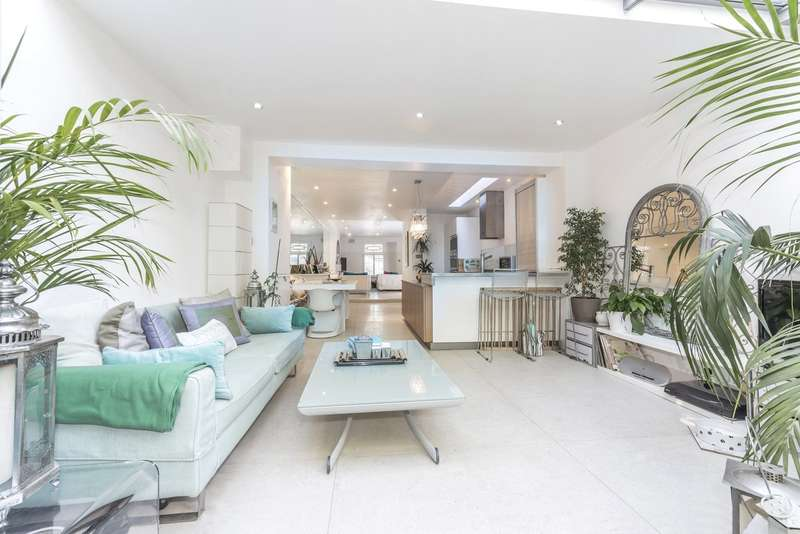 4 Bedrooms Terraced House for sale in Battersea Church Road, Battersea, London, SW11