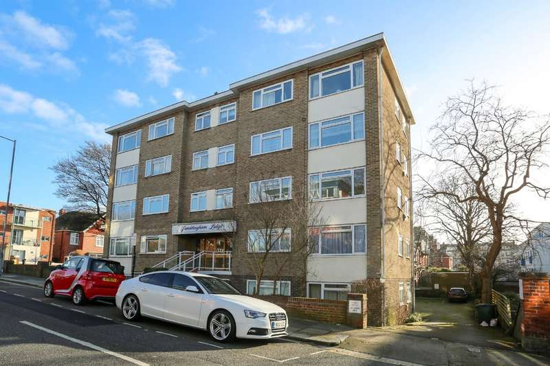 1 Bedroom Flat for sale in Palmeira Avenue, Hove