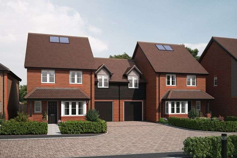 3 Bedrooms Semi Detached House for sale in Bell Lane, Chichester
