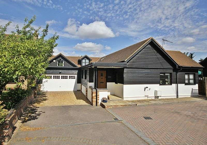 4 Bedrooms Detached House for sale in Greenfield