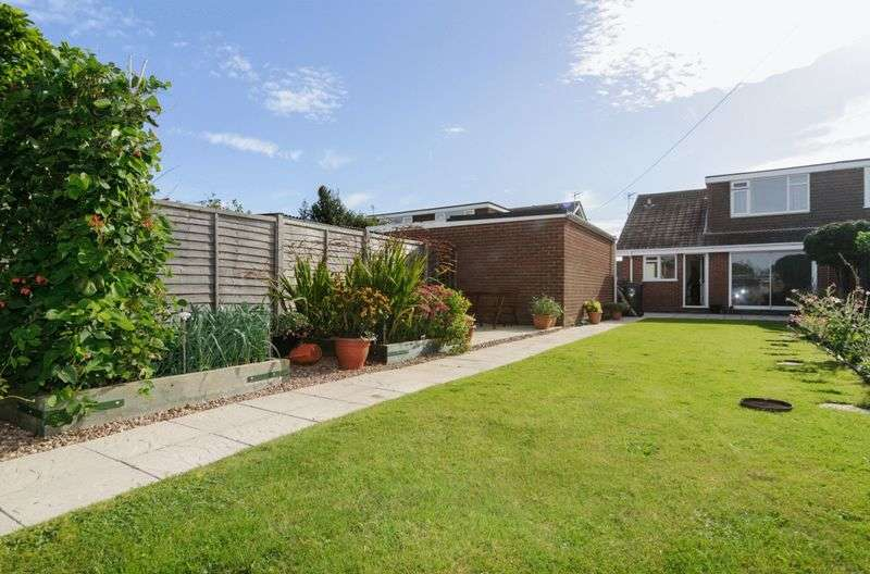 3 Bedrooms Semi Detached Bungalow for sale in Chanctonbury Way, Mablethorpe