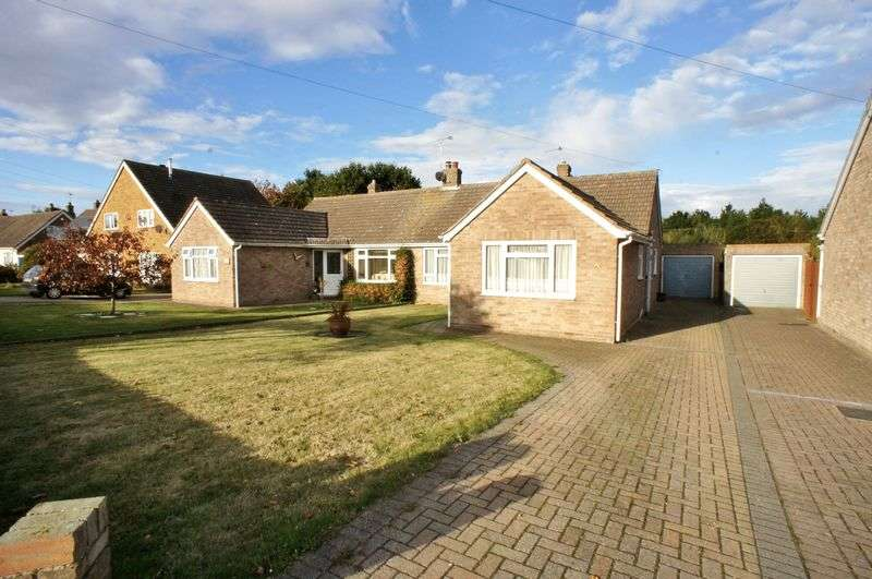 2 Bedrooms Semi Detached Bungalow for sale in Red Barn Road, Brightlingsea