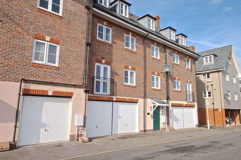 2 Bedrooms Flat for sale in Poets Way, Dorchester, DT1