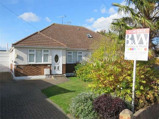 2 Bedrooms Semi Detached Bungalow for sale in Bourne Grove, SITTINGBOURNE, Kent