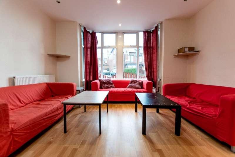 8 Bedrooms Terraced House for rent in Winston Gardens, Headingley, LS6