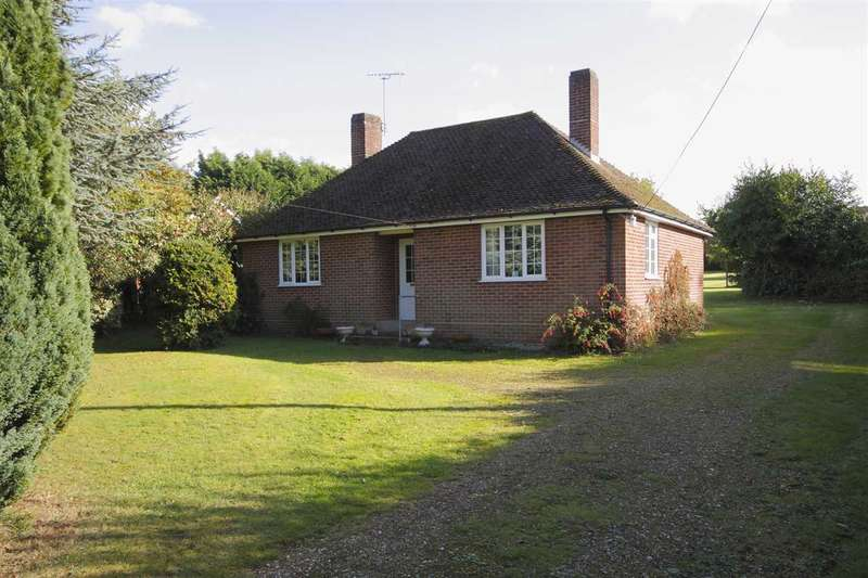 3 Bedrooms Detached House for sale in Greenacre, Andover