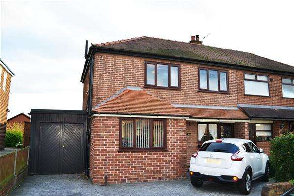 3 Bedrooms Semi Detached House for sale in Sydney Avenue, Leigh