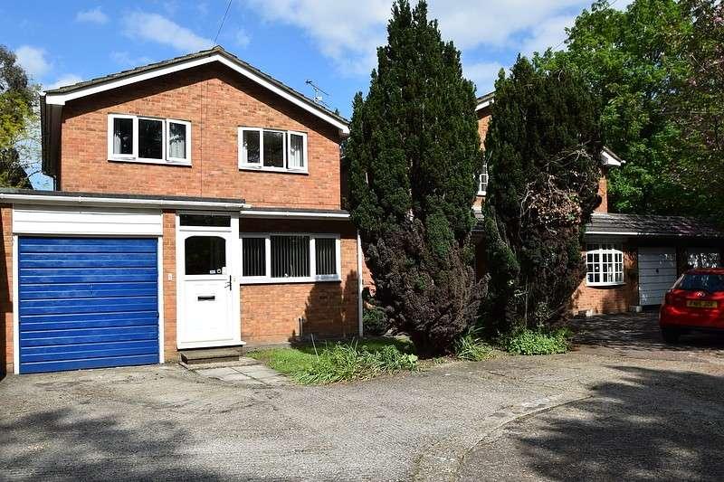 4 Bedrooms Detached House for sale in Eton Road, Datchet, SL3