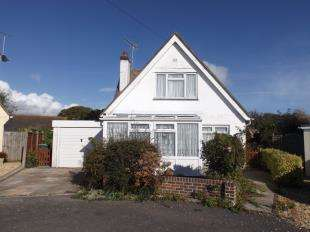 2 Bedrooms Bungalow for sale in North Avenue East, Middleton On Sea, Bognor Regis, West Sussex