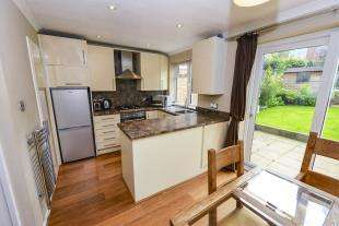 3 Bedrooms House for sale in Goodwood Road, Redhill, Surrey, Redhill