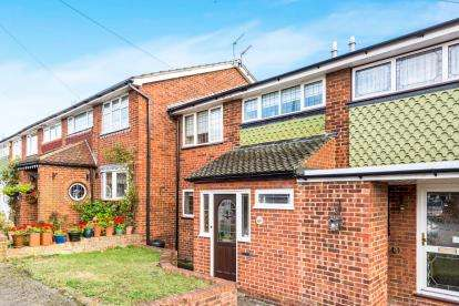 3 Bedrooms Terraced House for sale in Collier Row, Romford, Essex