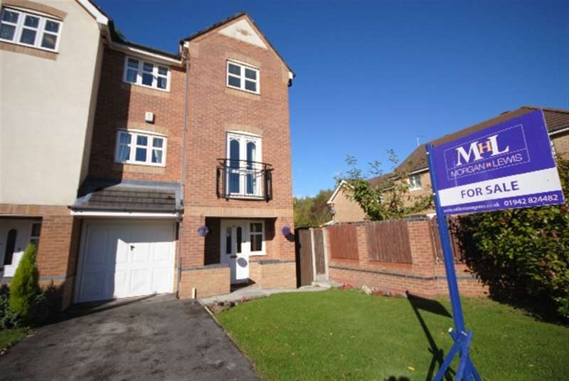 3 Bedrooms Terraced House for sale in Dartington Road, Platt Bridge, Wigan, WN2