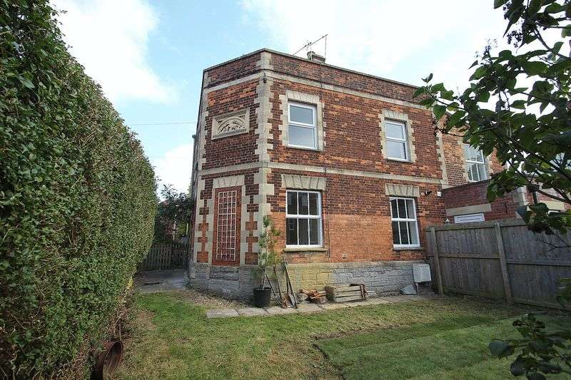 2 Bedrooms House for sale in Albert Buildings, Glastonbury