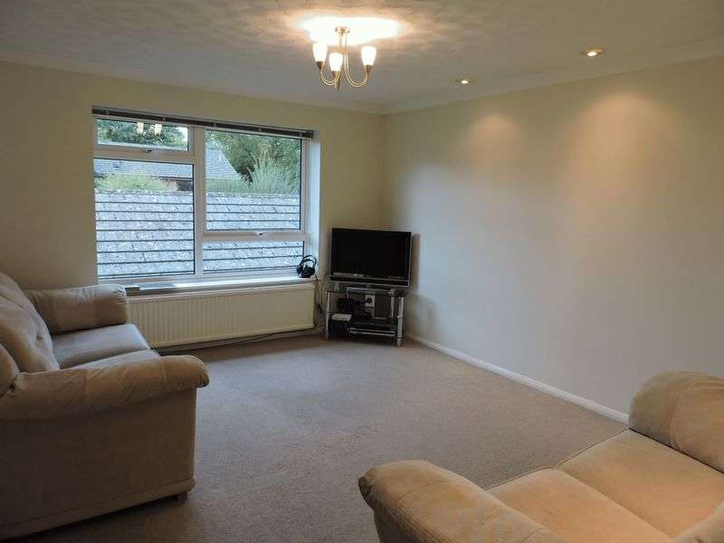 2 Bedrooms Flat for sale in Maple lodge, Chineham
