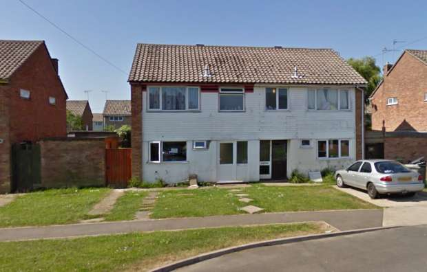 3 Bedrooms Semi Detached House for sale in Barnes Road, Skegness, Lincolnshire, PE25 2PR