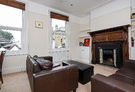 3 Bedrooms Flat for sale in Galveston Road , Putney, SW15