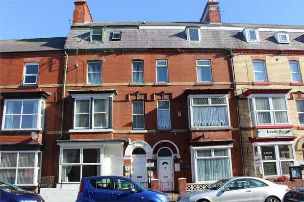 1 Bedroom Flat for sale in 44 Windsor Crescent, Bridlington, East Riding of Yorkshire