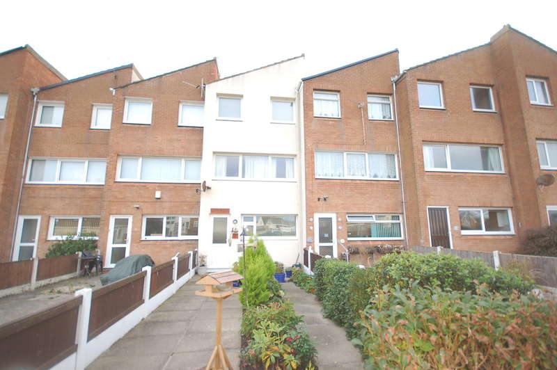 4 Bedrooms Town House for sale in Buckden Close, Thornton-Cleveleys