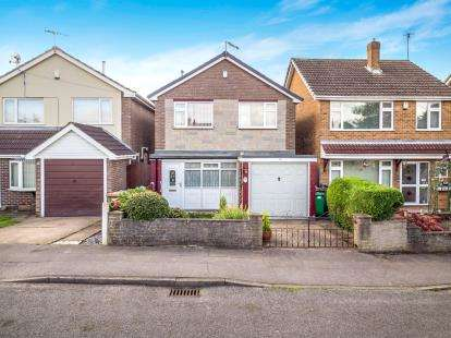 3 Bedrooms Detached House for sale in Tricornia Drive, Basford, Nottingham, Nottinghamshire