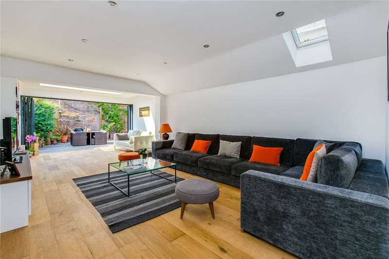 4 Bedrooms House for sale in Limburg Road, London, SW11