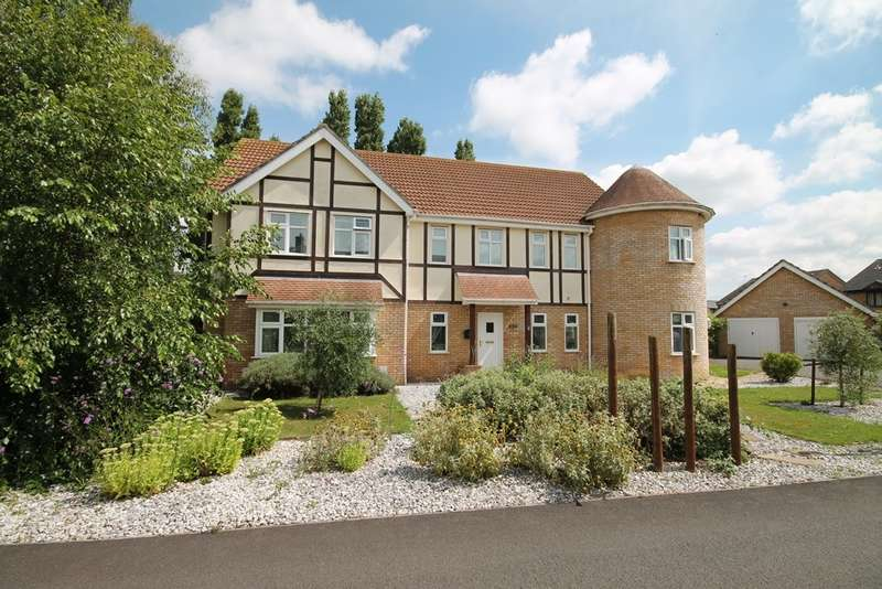 5 Bedrooms Detached House for sale in Teasel House, Dunvegan Close, Manea, PE15 0LU